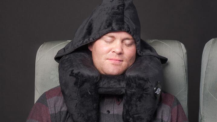 Duo-Travel-Pillow-bantal-sesuai-dibawa-ketika-melancong